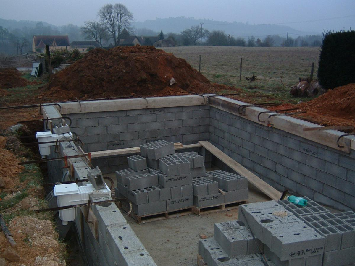Construction piscine traditionnelle2 fages ma onnerie for Construction piscine traditionnelle